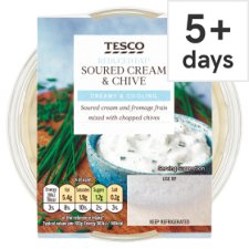 Tesco Reduced Fat Sour Cream And Chive Dip 200G