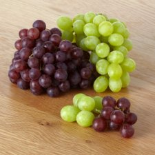 image 2 of Tesco Seedless Grape Selection Pack 500G