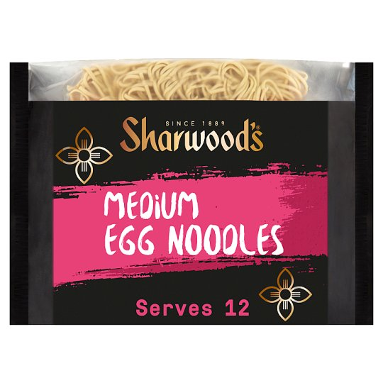 Sharwoods Medium Egg Noodles 680G