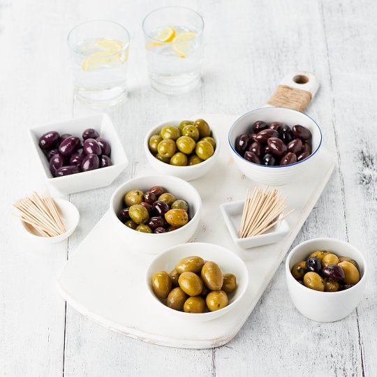 image 1 of Tesco Easy Entertaining Olive Selection 675G Serves 10