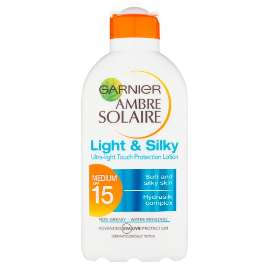 Ambre Solaire Light And Silky Spf 15 200Ml