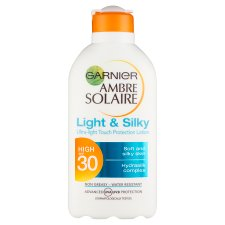 Ambre Solaire Light And Silky Spf30 200Ml