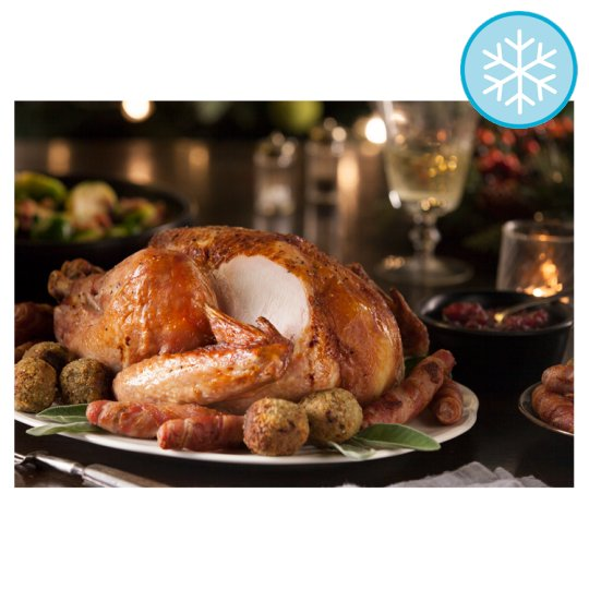 Tesco British Small Basted Frozen Turkey 2.6-3.8Kg Serves 5-7 People