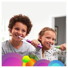 image 2 of Oral-B Junior 6+ Green Electric Toothbrush