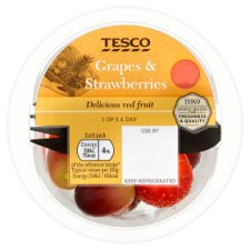 Tesco Grape And Strawberry Fruit Salad 125G