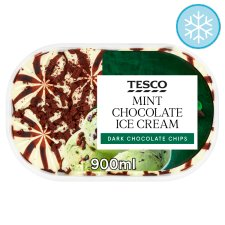 Tesco Mint Chocolate Ice Cream 900Ml