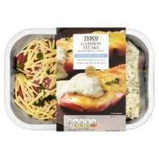 Tesco Gammon Steak With Cheese Parsley Sauce 365G