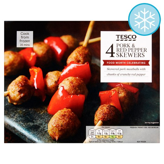 Tesco 4 Pork And Red Pepper Skewers 220G