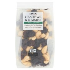 Tesco Cashew Nuts And Raisins 200G