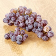 image 2 of Tesco Strawberry Seedless Grapes 400G